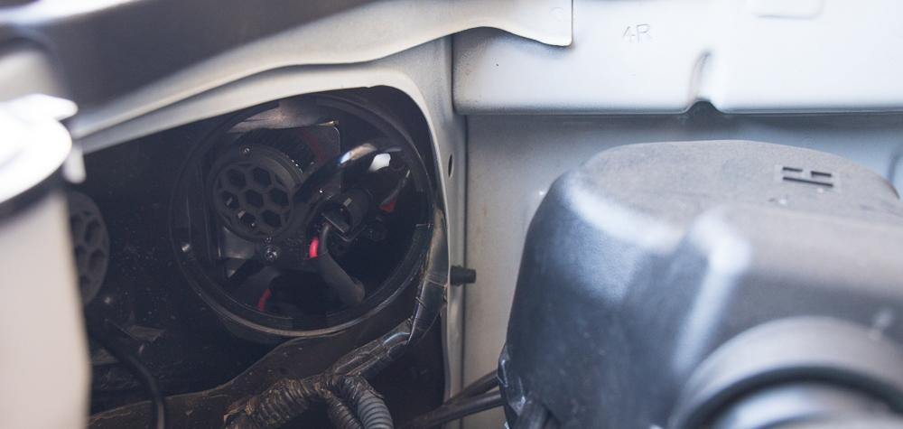 Low Beam (H11 Bulb) Install - Step #2: Remove Bulb