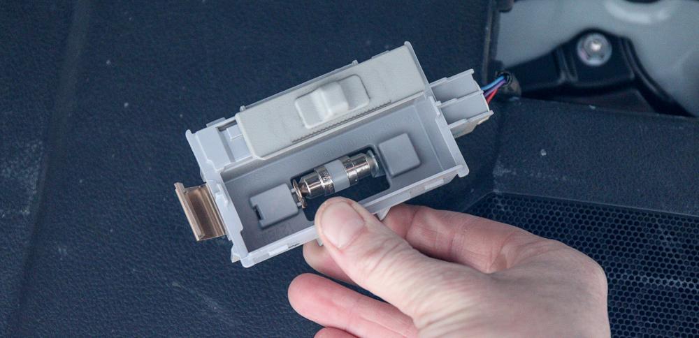 Rear Hatch & Cargo 4Runner LED Light #6 -Place New Bulb Between Metal Holders